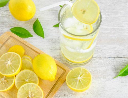 Освежаваща лимонада с боров прашец и морска сол